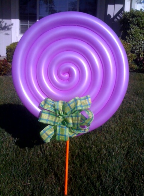 2 foot lollipop accent for grass or mounted on fence